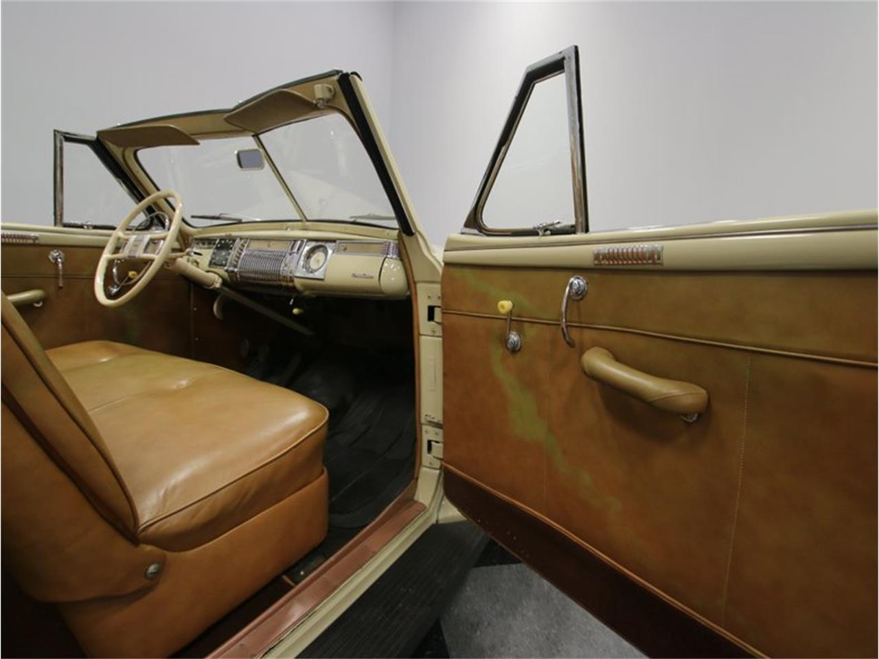 Large Picture of Classic '41 Dodge Luxury Liner located in Lavergne Tennessee Offered by Streetside Classics - Nashville - LKP6