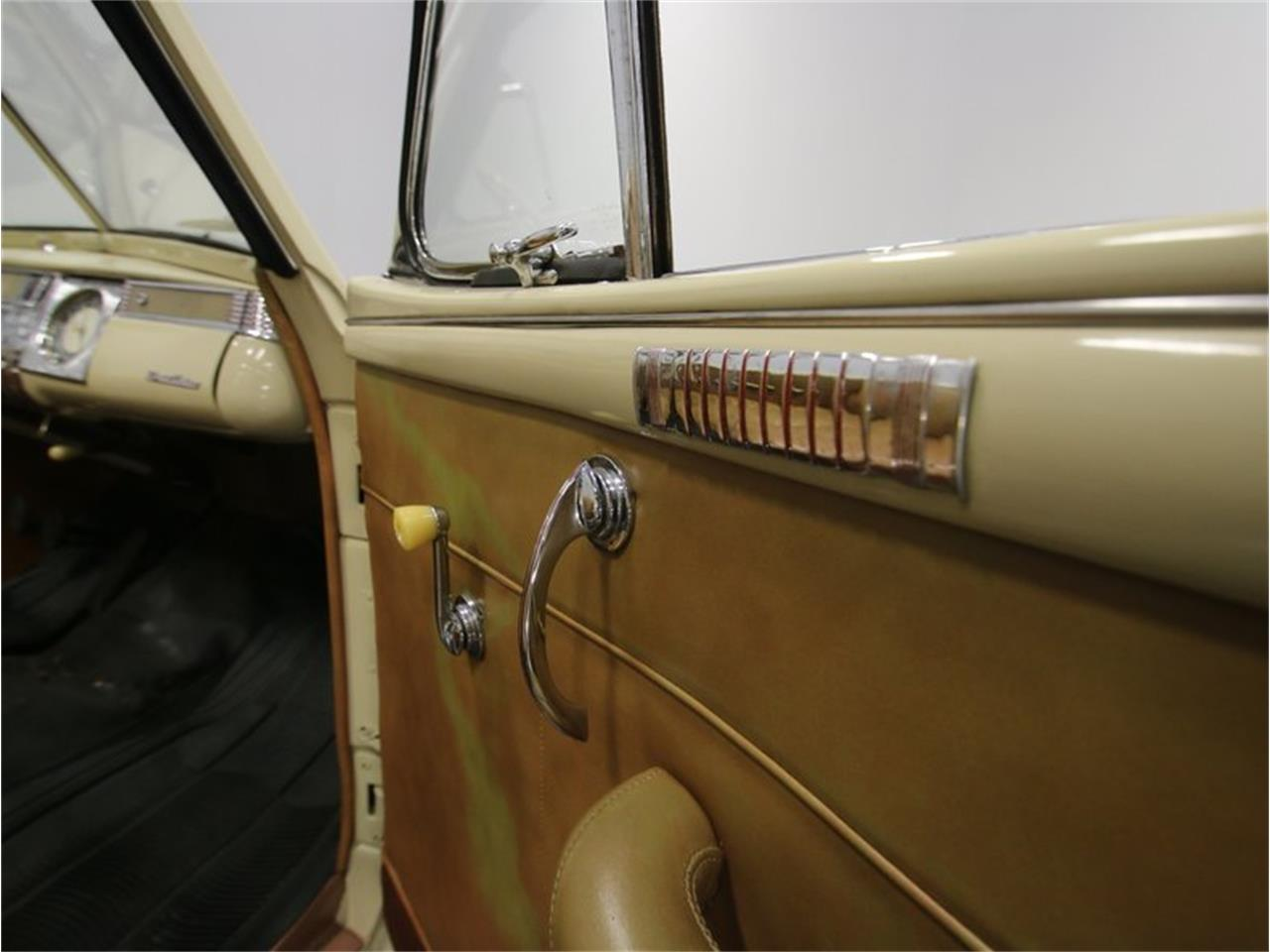 Large Picture of '41 Luxury Liner Offered by Streetside Classics - Nashville - LKP6