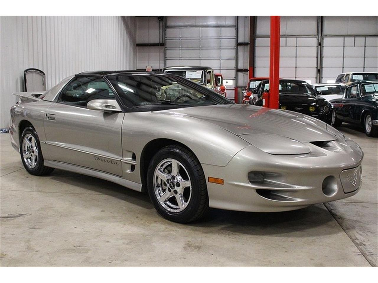 Large Picture of 2000 Pontiac Firebird located in Kentwood Michigan - $9,900.00 - LL2G