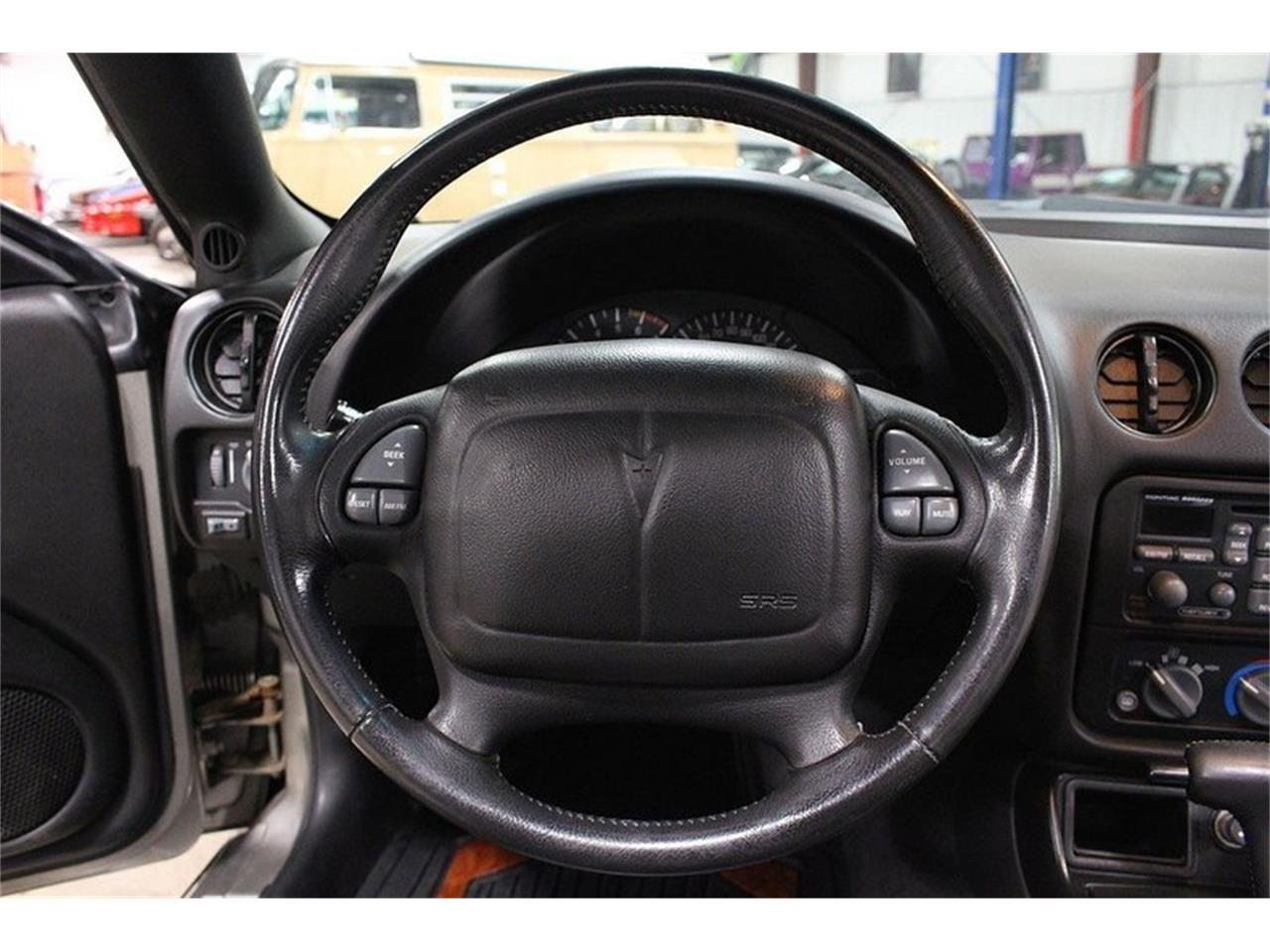 Large Picture of '00 Pontiac Firebird located in Kentwood Michigan - $9,900.00 - LL2G