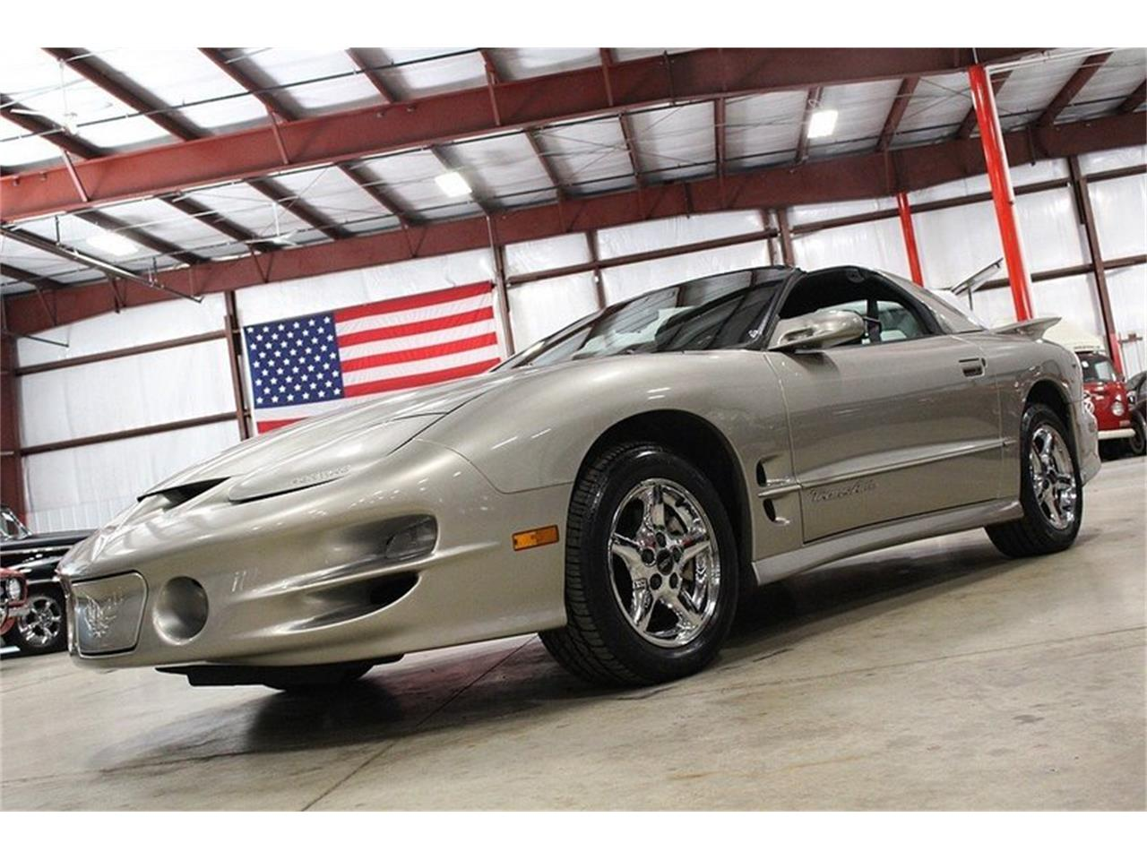 Large Picture of 2000 Pontiac Firebird located in Kentwood Michigan Offered by GR Auto Gallery - LL2G