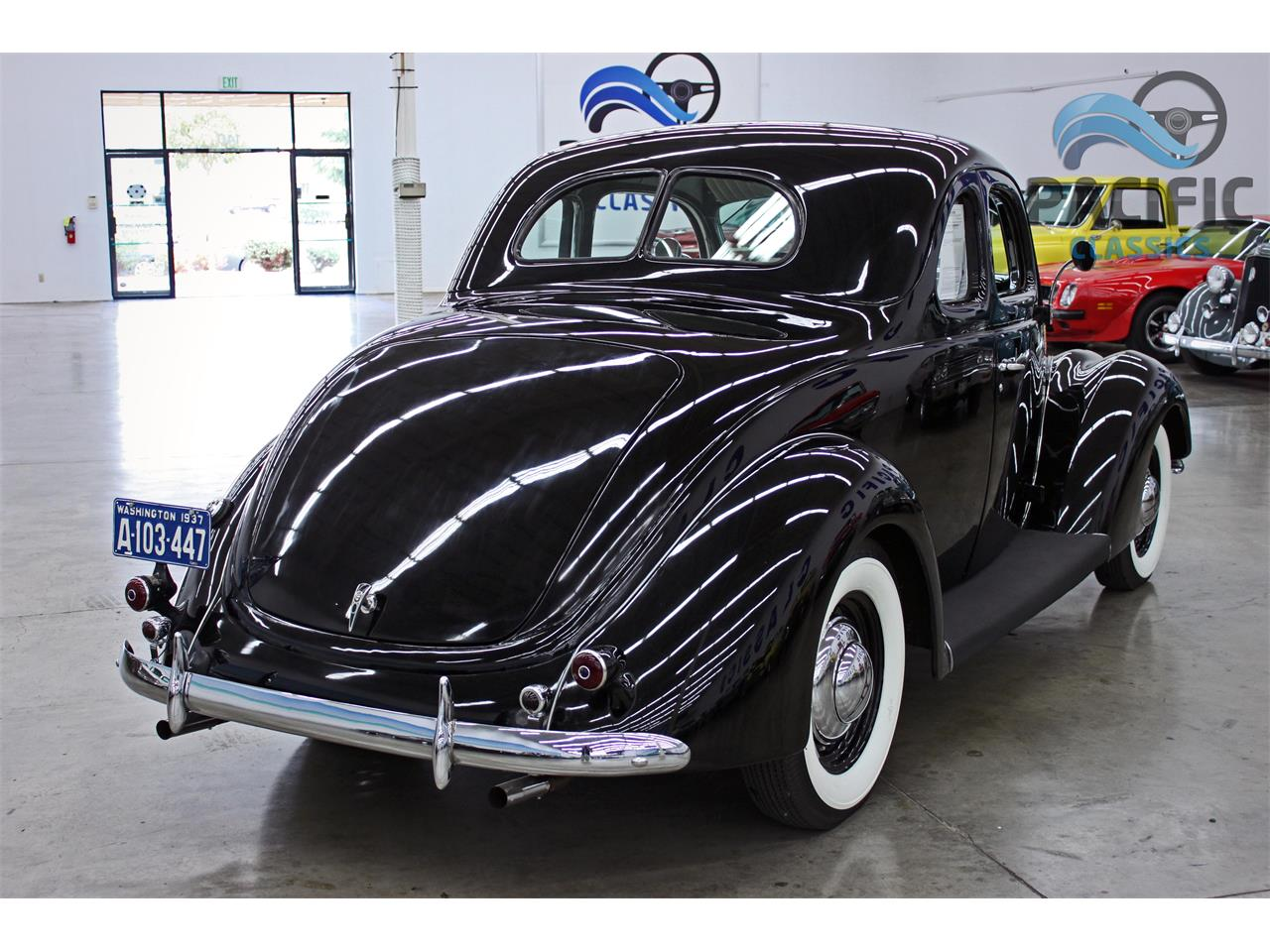 Large Picture of 1937 Ford Coupe - LLLE