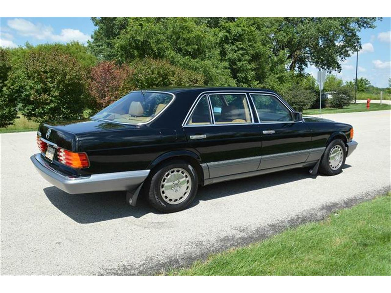 Large Picture of '89 Mercedes-Benz S-Class located in Illinois - $13,900.00 Offered by Park-Ward Motors - LLPD