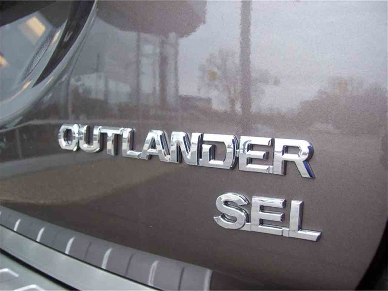 Large Picture of '17 Outlander - LG8N