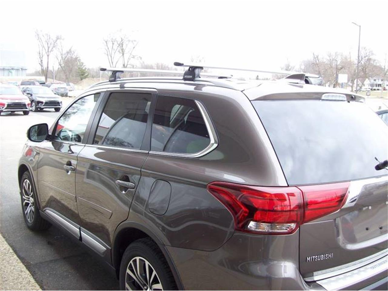 Large Picture of 2017 Outlander located in Michigan Offered by Verhage Mitsubishi - LG8N