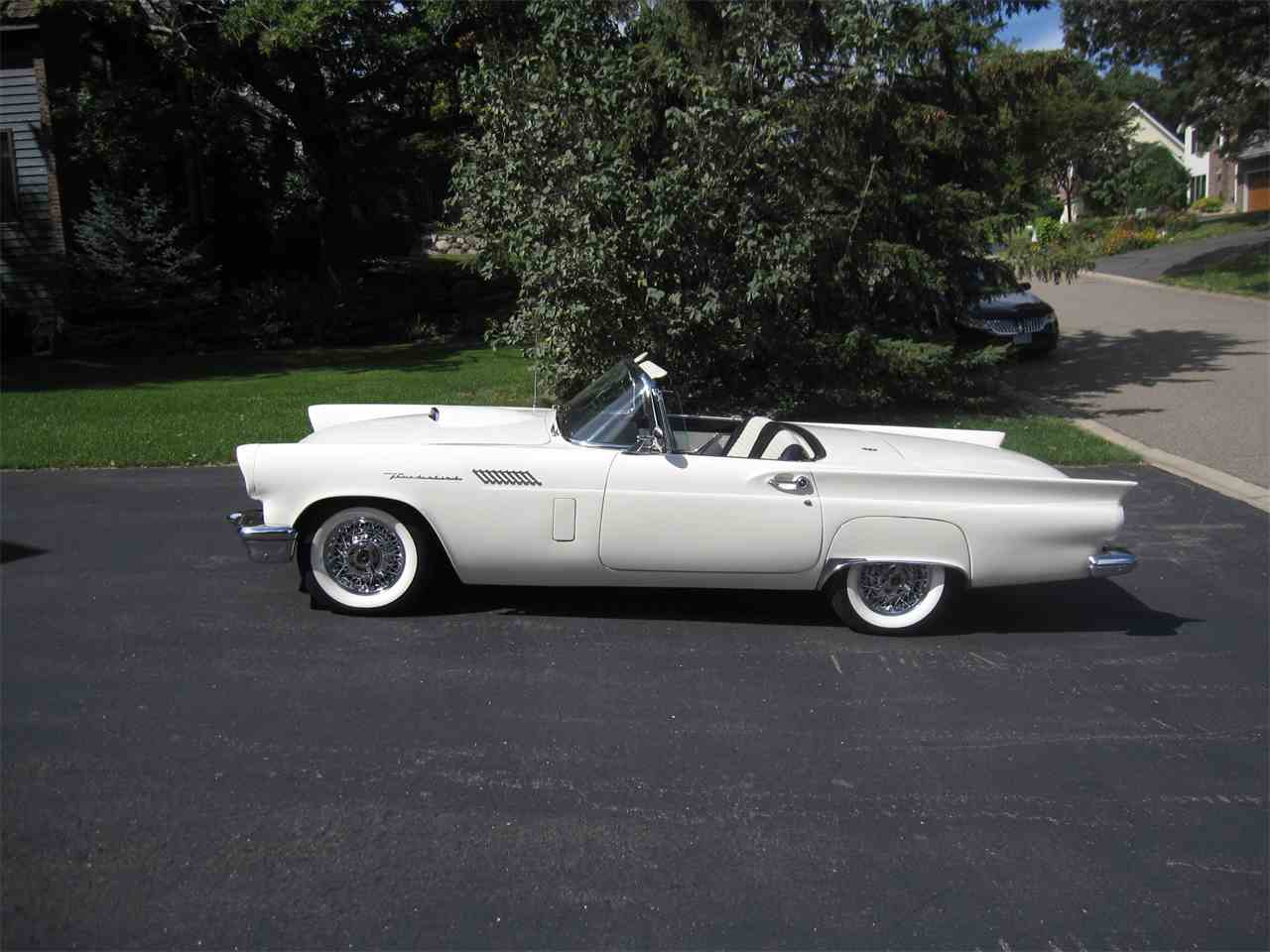 Large Picture of '57 Thunderbird - LM0W