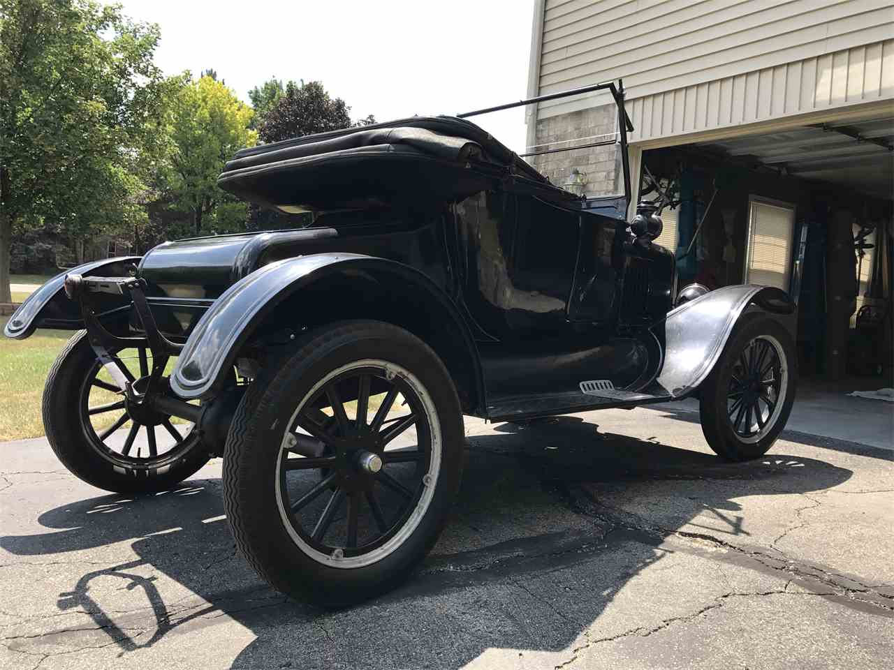 Large Picture of 1924 Ford Model T Offered by a Private Seller - LM42