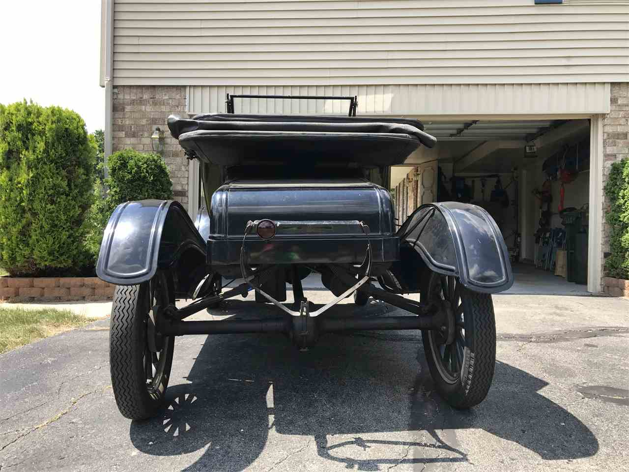 Large Picture of Classic 1924 Ford Model T located in Rochester Hills Michigan Offered by a Private Seller - LM42