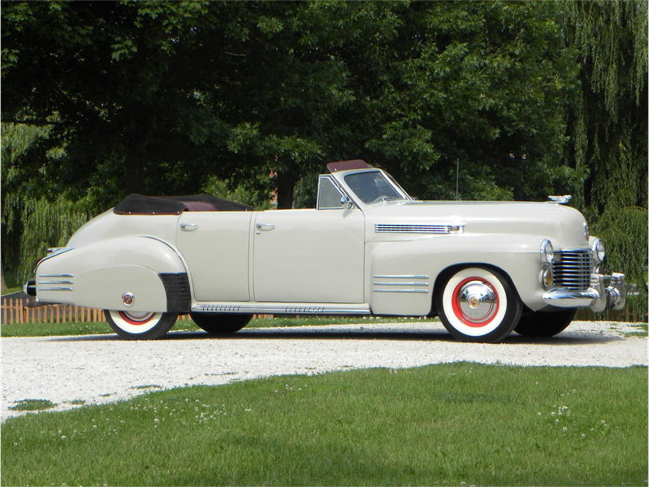 Large Picture of 1941 Series 41-62 Convertible Sedan located in Volo Illinois - LGAA
