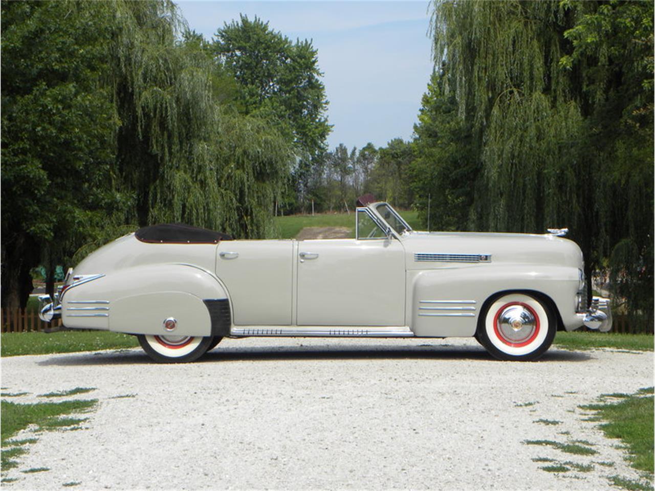 Large Picture of Classic 1941 Series 41-62 Convertible Sedan - LGAA