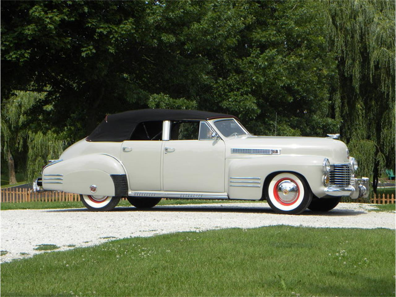 Large Picture of 1941 Series 41-62 Convertible Sedan Offered by Volo Auto Museum - LGAA