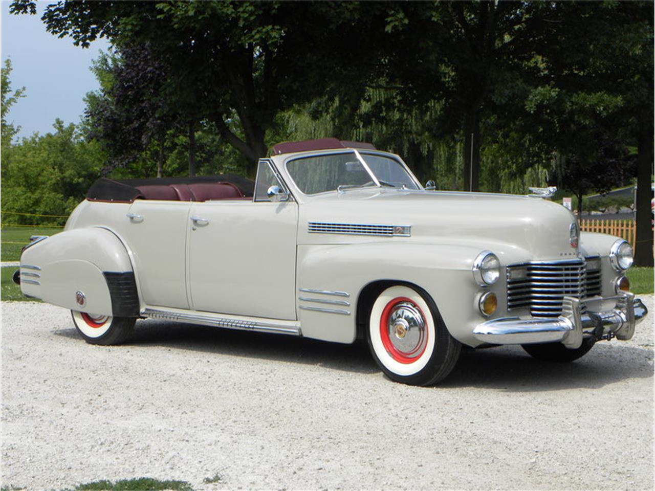 Large Picture of Classic '41 Series 41-62 Convertible Sedan located in Illinois Offered by Volo Auto Museum - LGAA