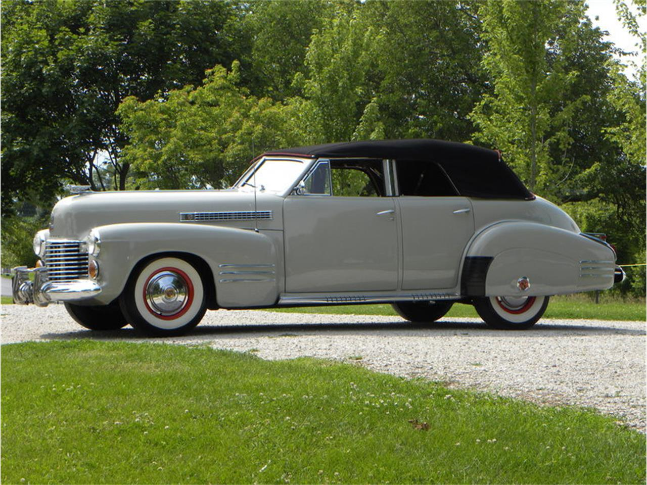 Large Picture of Classic 1941 Series 41-62 Convertible Sedan Offered by Volo Auto Museum - LGAA
