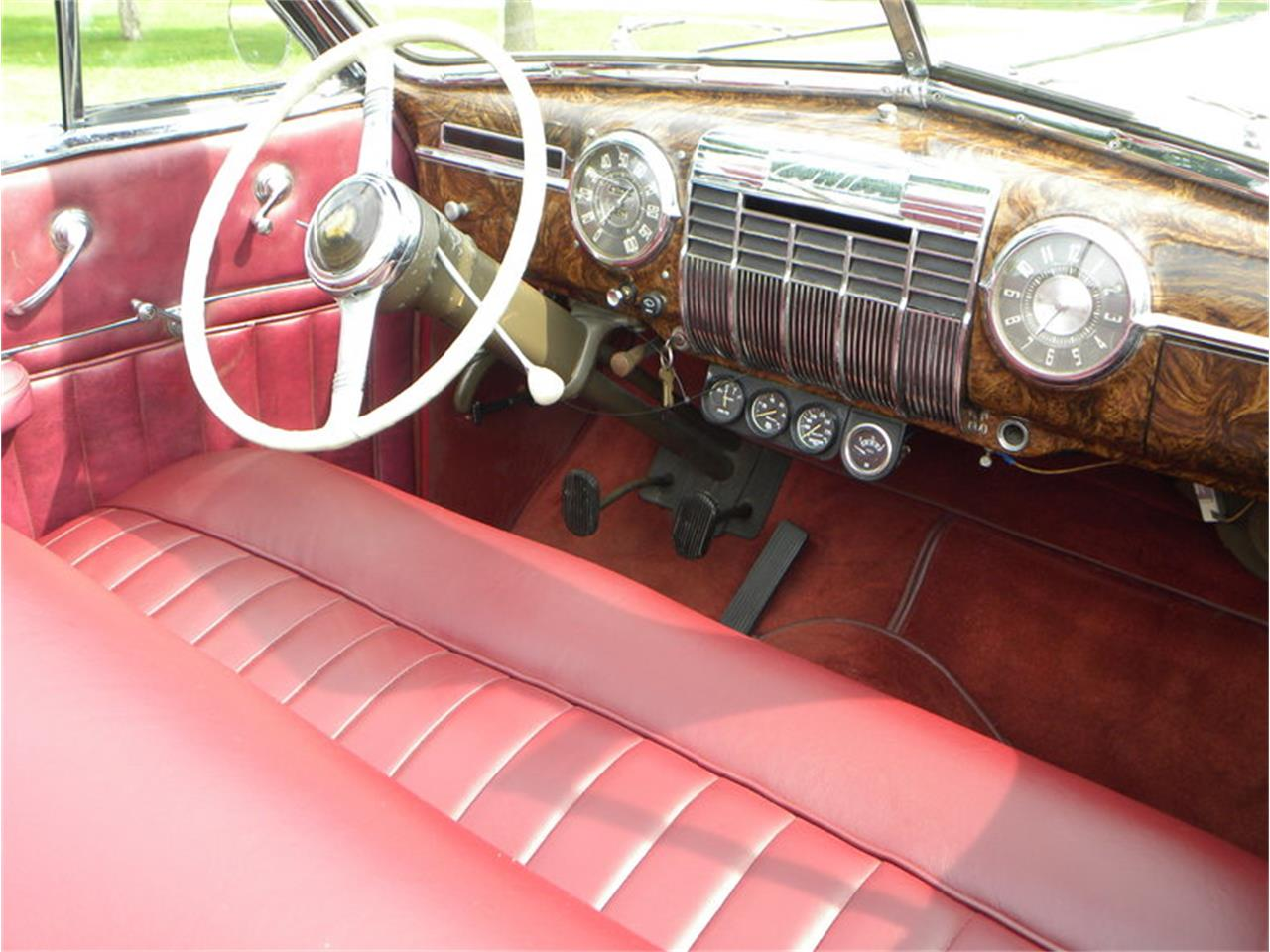 Large Picture of Classic 1941 Cadillac Series 41-62 Convertible Sedan - LGAA
