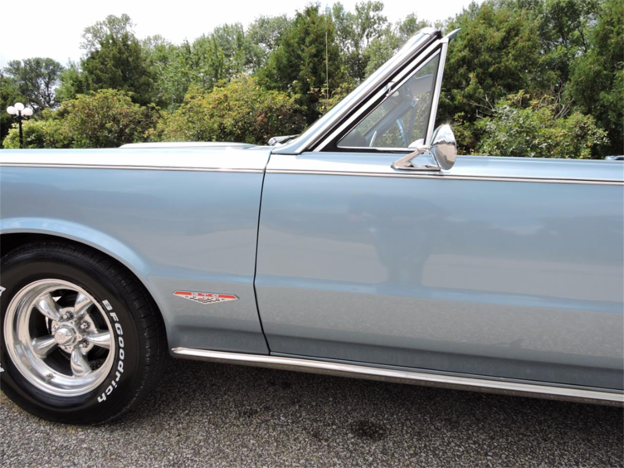 Large Picture of Classic '65 Pontiac LeMans located in Iowa - LMH7
