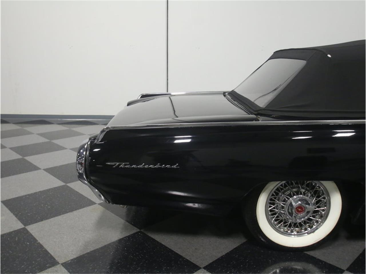 Large Picture of '63 Ford Thunderbird Sports Roadster - LGAZ