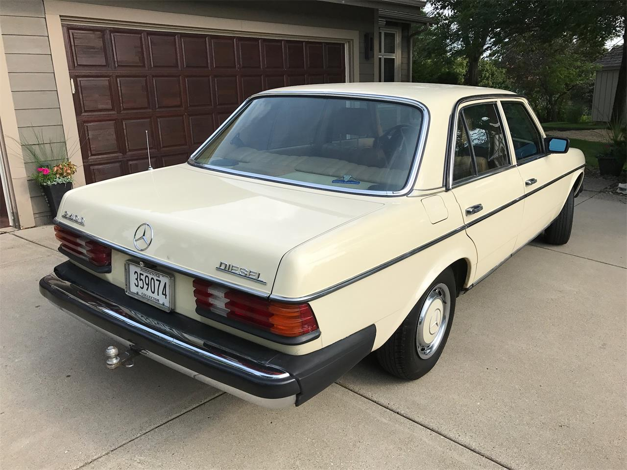 Large Picture of '83 Mercedes-Benz 240D Offered by a Private Seller - LMLW