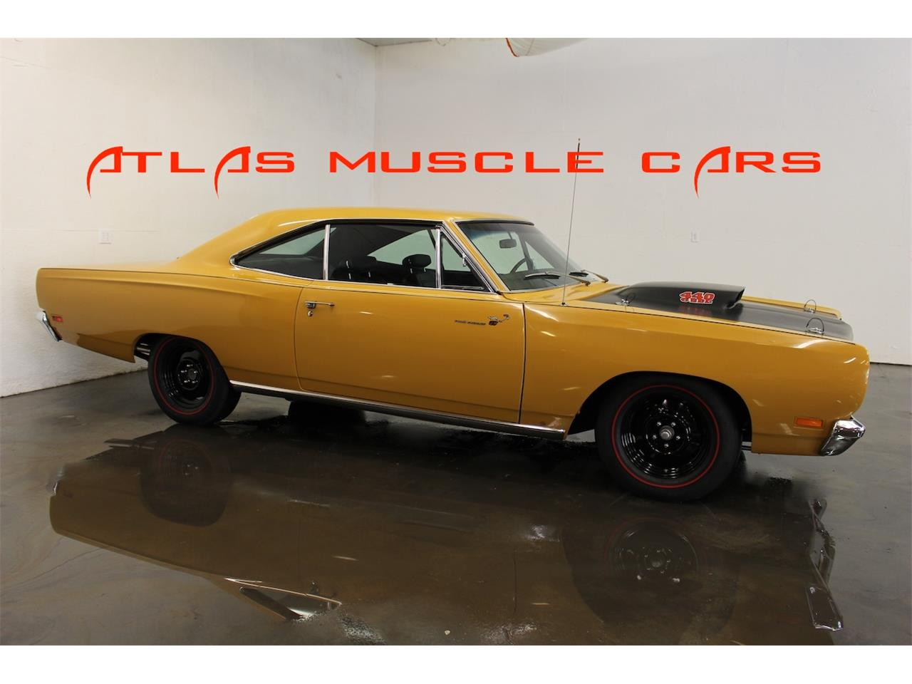 Large Picture of Classic '69 Road Runner located in Texas Offered by Atlas Muscle Cars - LMSB