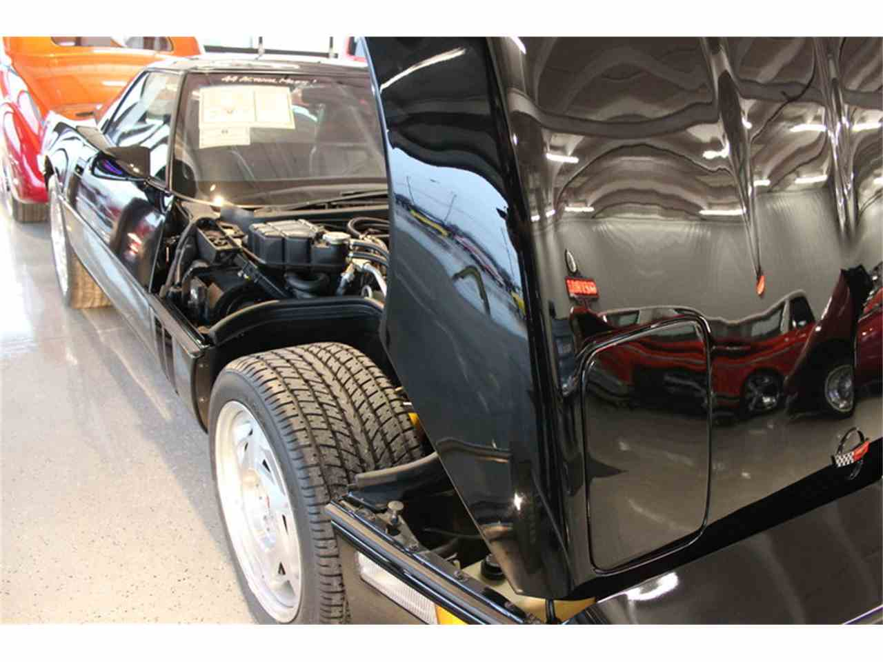 Large Picture of '90 Chevrolet Corvette Offered by Triple F Automotive - LGBP
