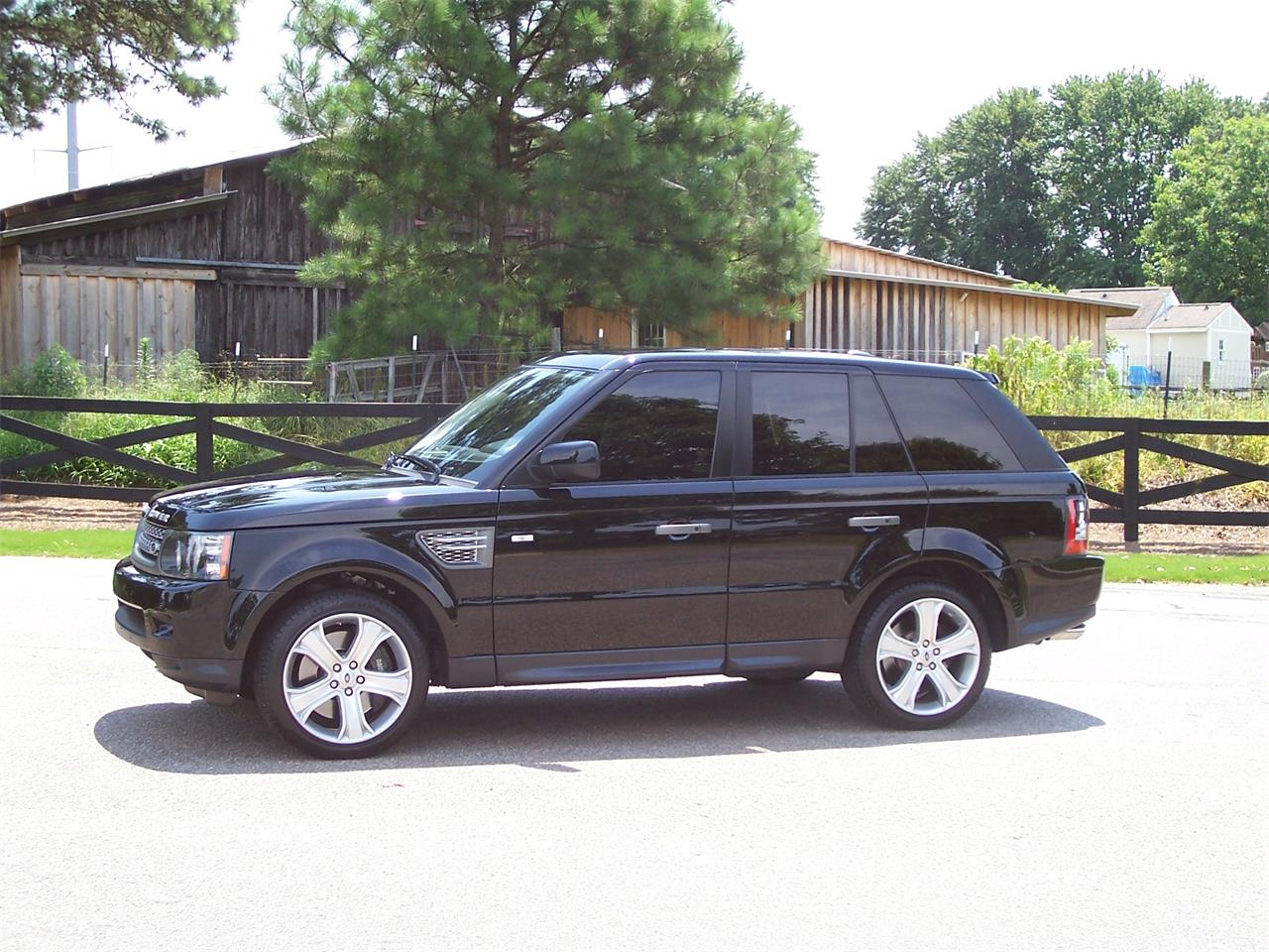 Large Picture of '11 Land Rover Range Rover located in Alpharetta Georgia - $34,900.00 Offered by Cloud 9 Classics - LMTA