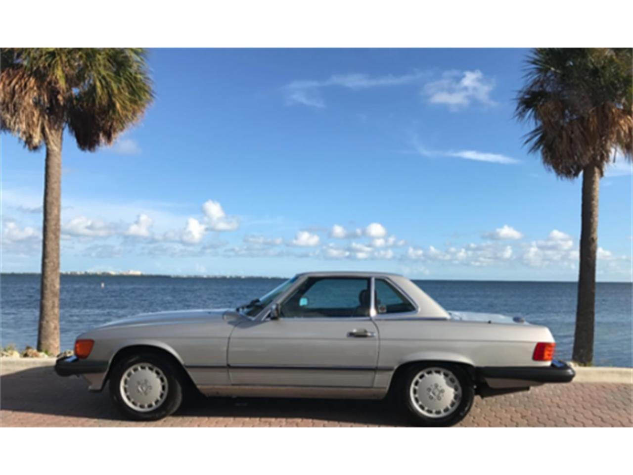 Large Picture of 1988 Mercedes-Benz 560SL located in Miami Florida - $35,000.00 - LMUN