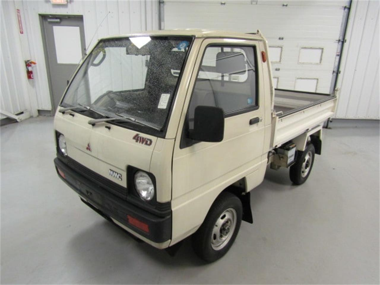 Large Picture of '88 Mitsubishi MiniCab located in Virginia - $7,990.00 Offered by Duncan Imports & Classic Cars - LN50