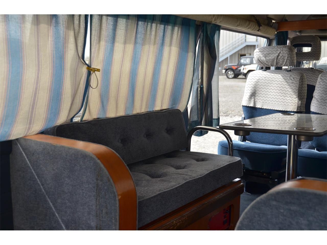 Large Picture of '90 Nissan Caravan located in Christiansburg Virginia Offered by Duncan Imports & Classic Cars - LN58