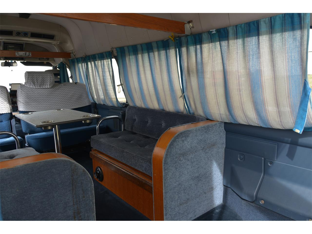 Large Picture of '90 Caravan - $17,900.00 Offered by Duncan Imports & Classic Cars - LN58