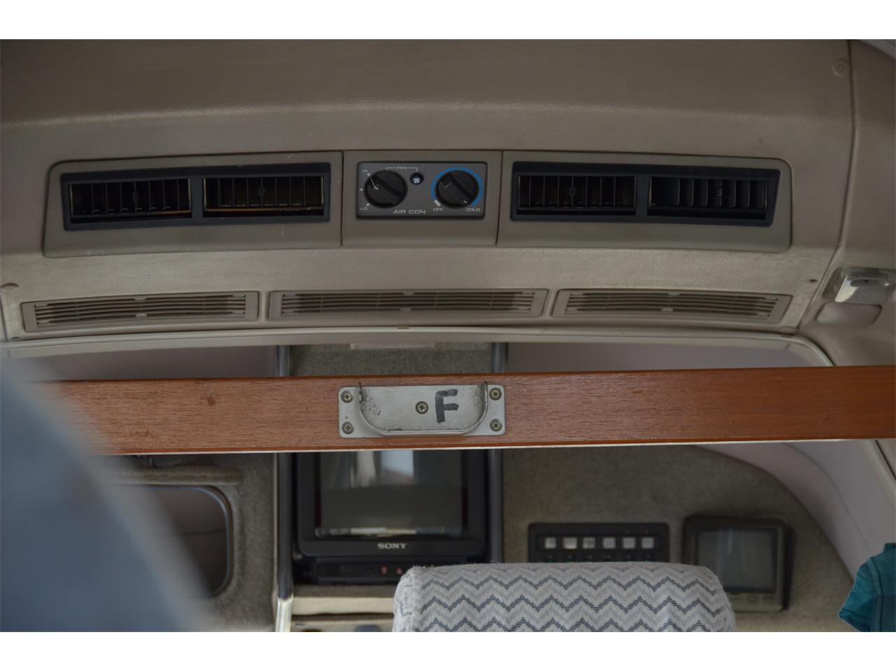 Large Picture of 1990 Nissan Caravan Offered by Duncan Imports & Classic Cars - LN58