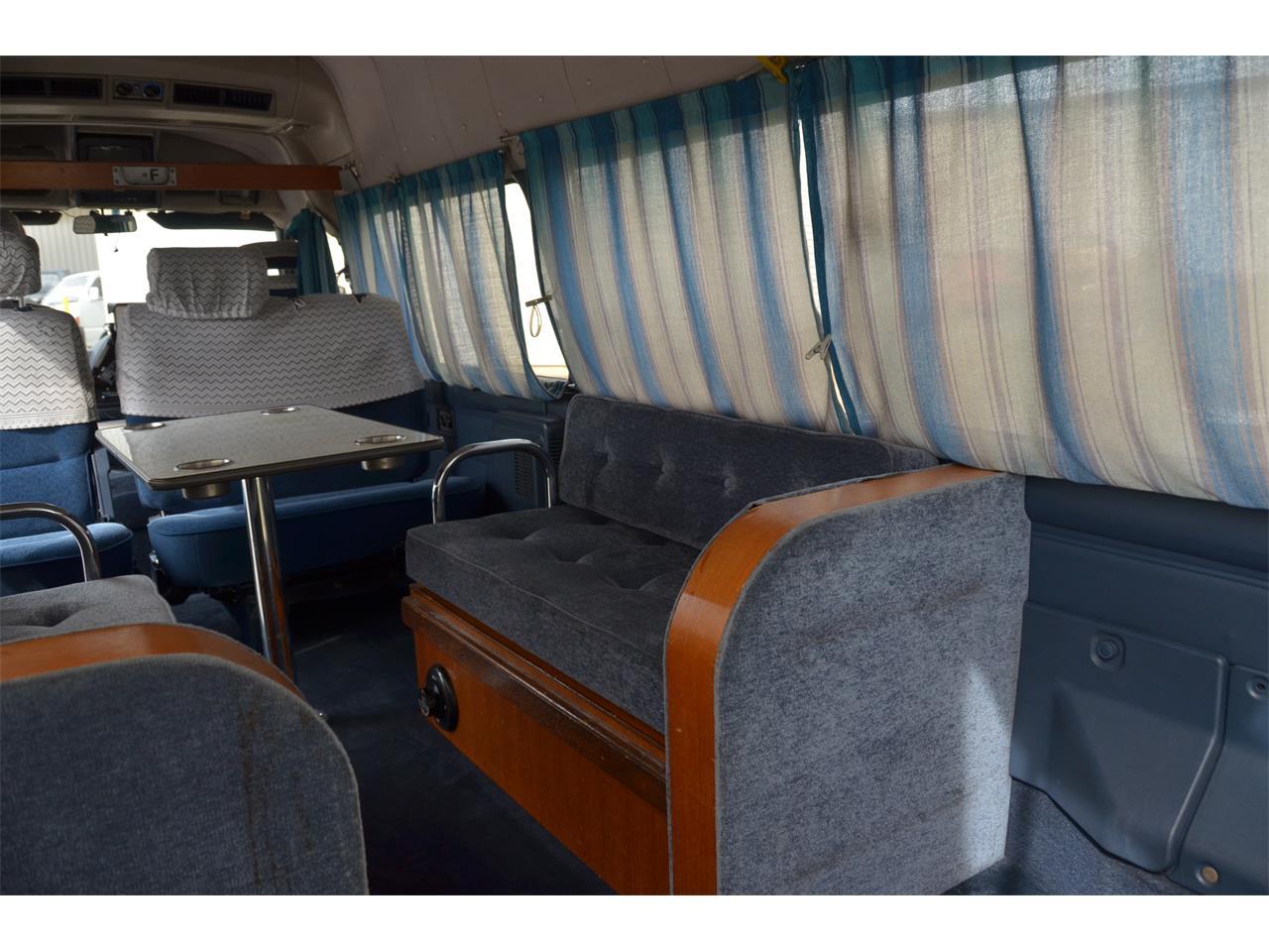 Large Picture of 1990 Nissan Caravan - LN58