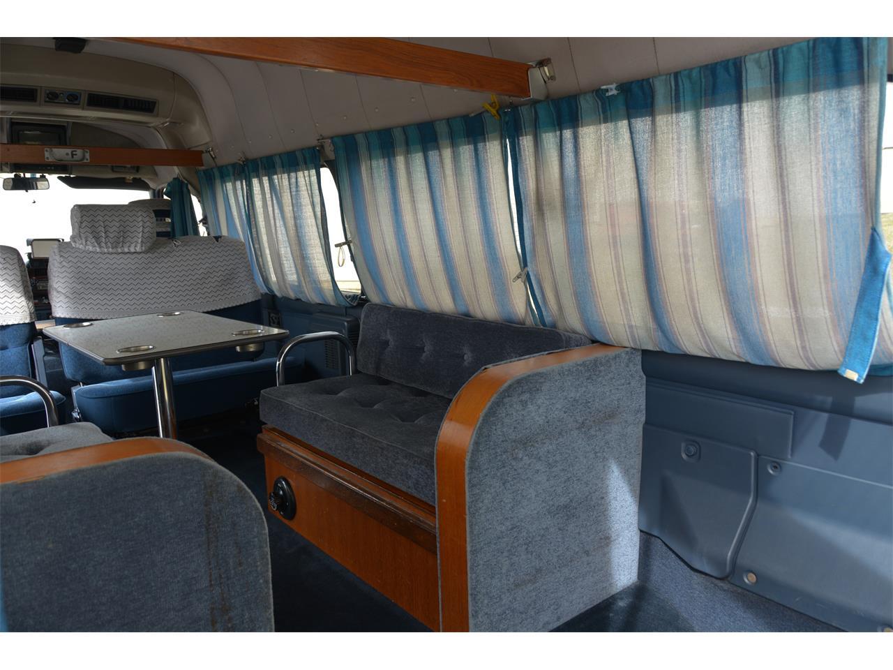 Large Picture of '90 Nissan Caravan - $17,900.00 - LN58