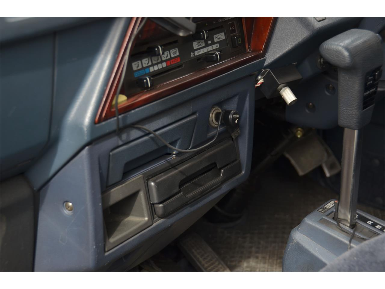 Large Picture of 1990 Caravan Offered by Duncan Imports & Classic Cars - LN58