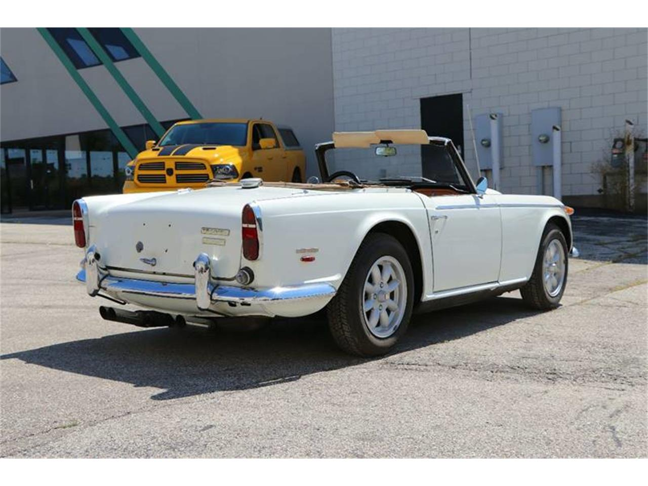 Large Picture of '68 TR250 - LNBX