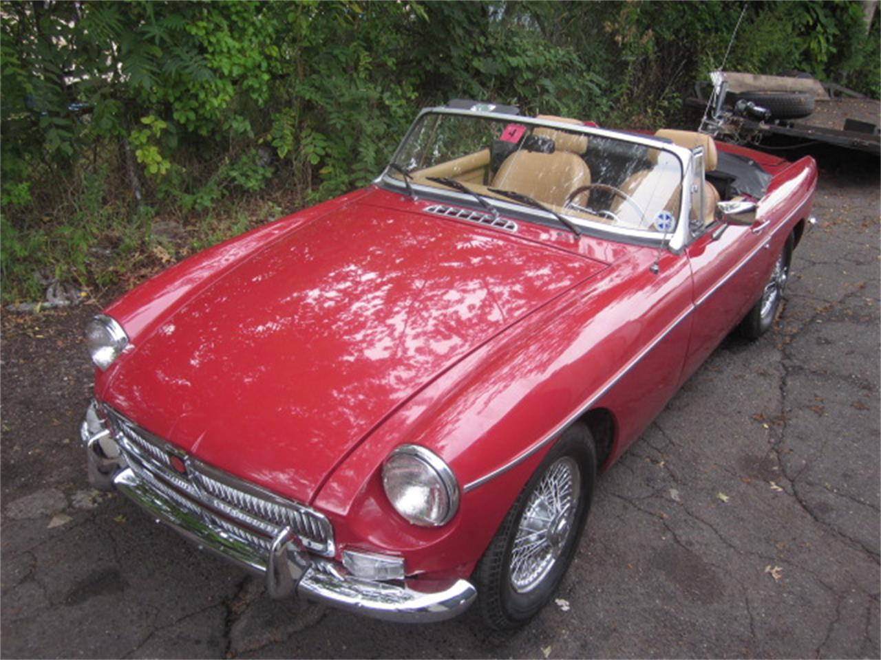 Large Picture of '80 MGB - LOC8