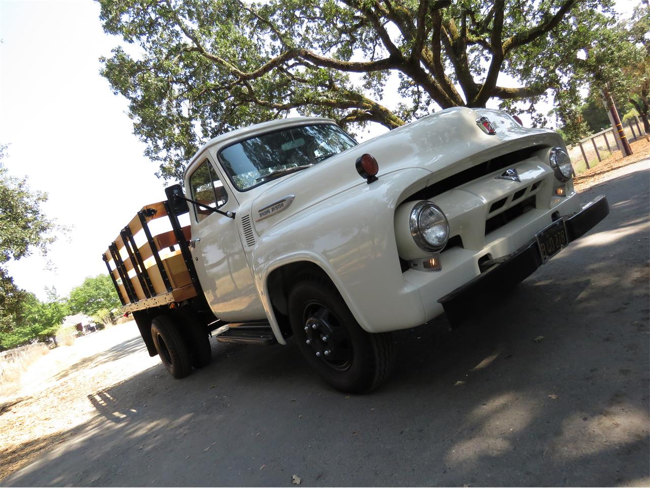 Large Picture of 1954 Ford F350 - LOMU