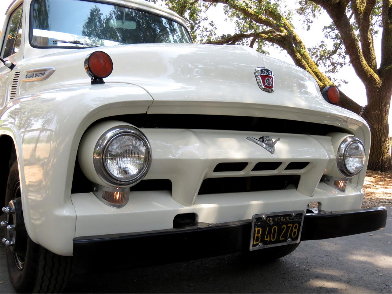 Large Picture of '54 Ford F350 - LOMU