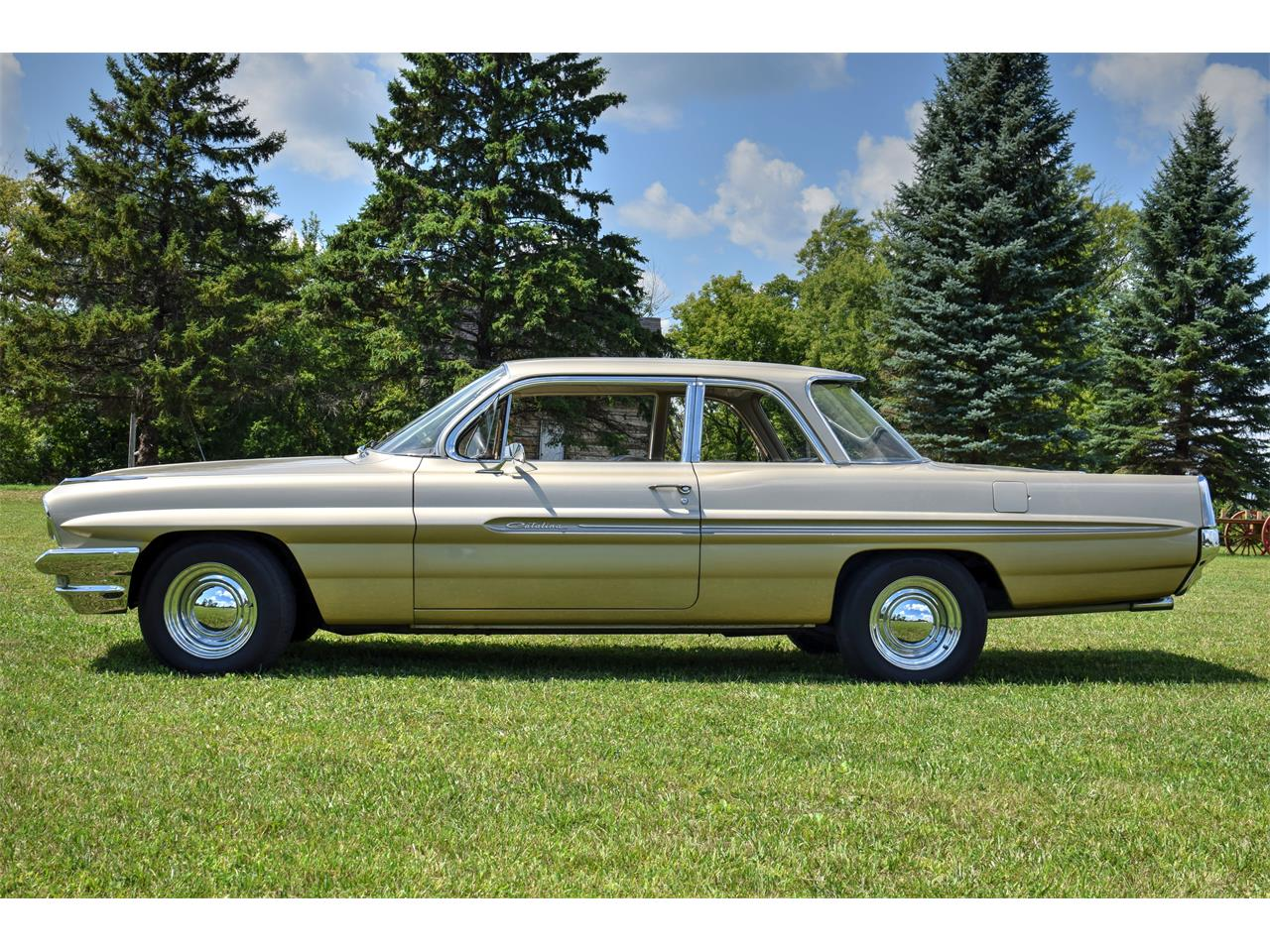 Large Picture of '61 Catalina - LONC