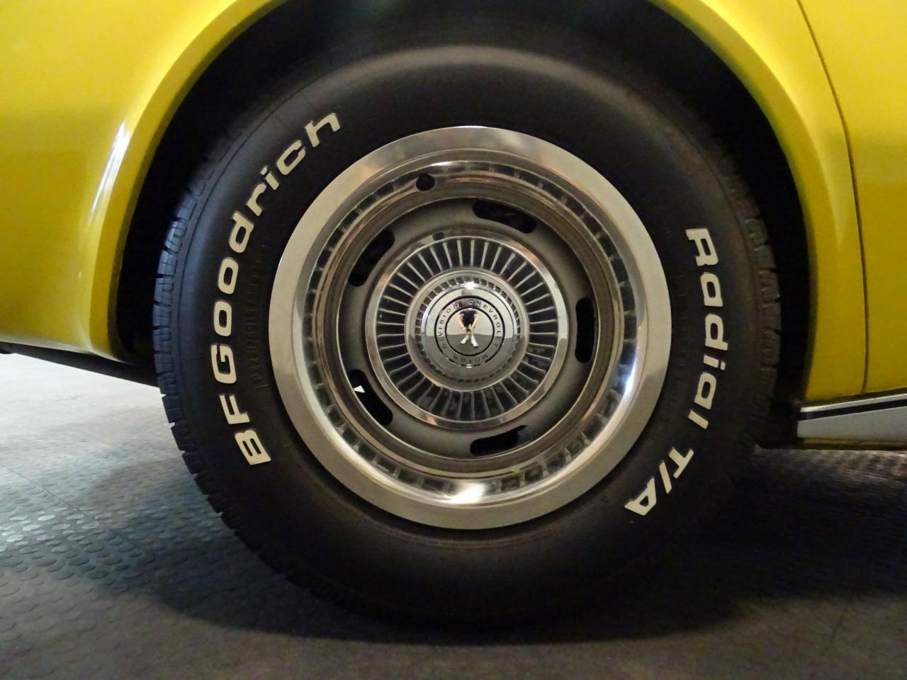 Large Picture of Classic '71 Corvette - $28,995.00 - LOPO