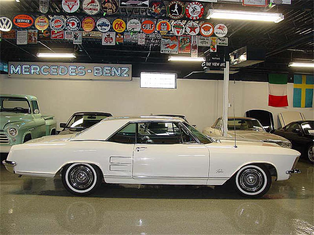 Large Picture of '63 Riviera - LOVX