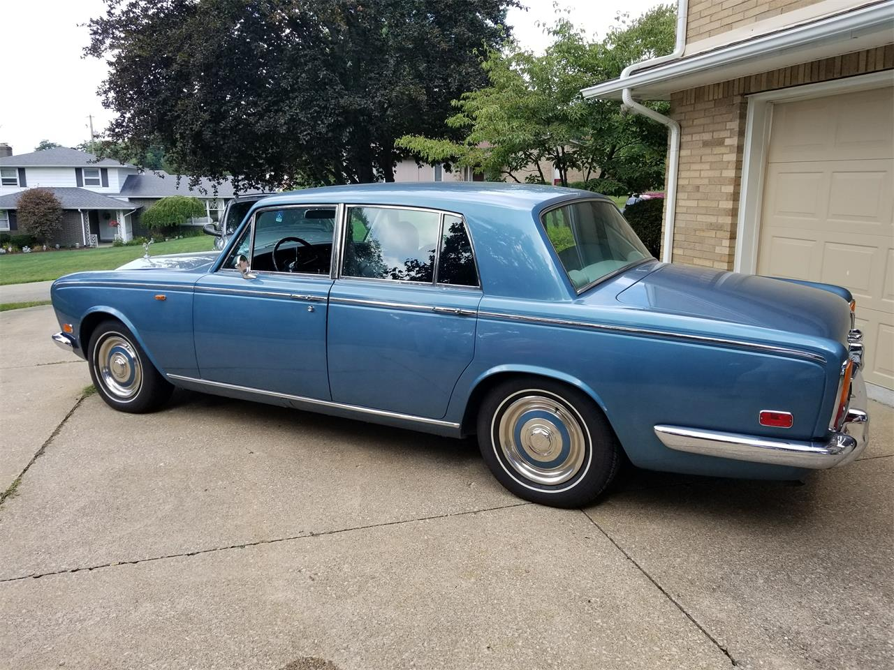 Large Picture of '72 Silver Shadow - LNIH