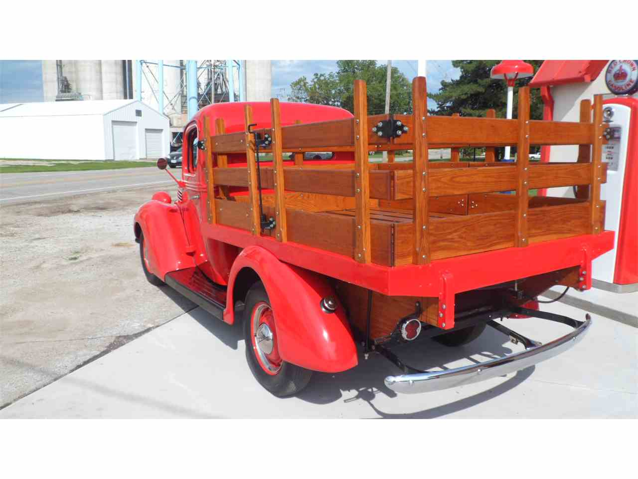 Large Picture of '39 Platform Stake Truck - LPEQ