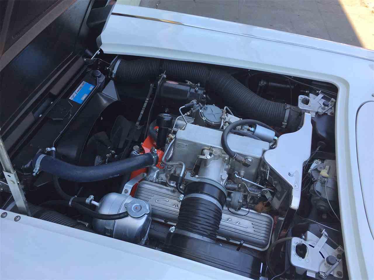 Large Picture of '62 Corvette - LPF9