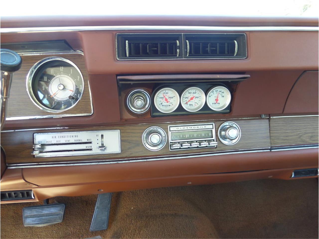 Large Picture of '71 Cutlass located in Laguna Beach California - LPJI