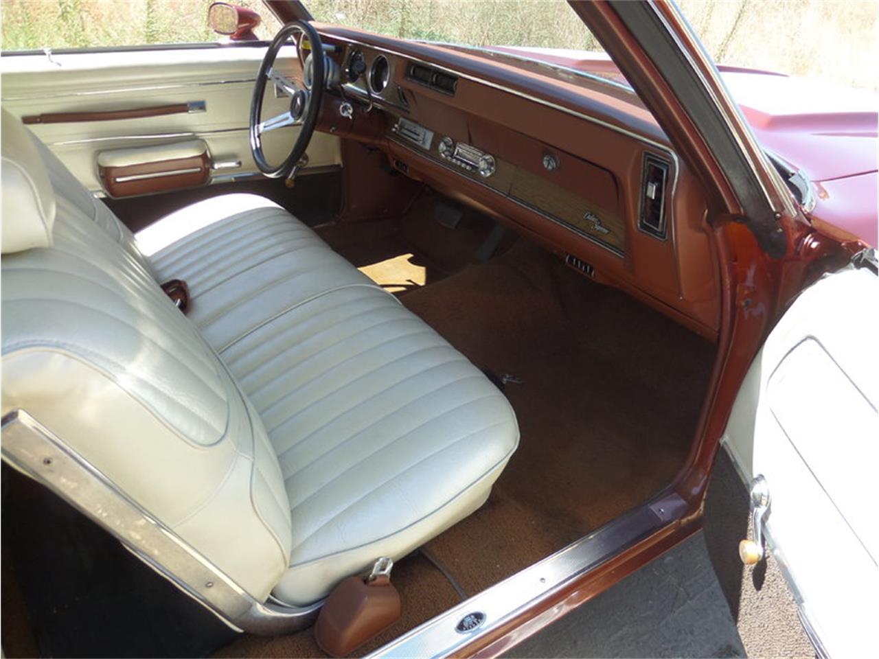 Large Picture of '71 Cutlass located in Laguna Beach California - $22,950.00 Offered by Laguna Classic Cars - LPJI
