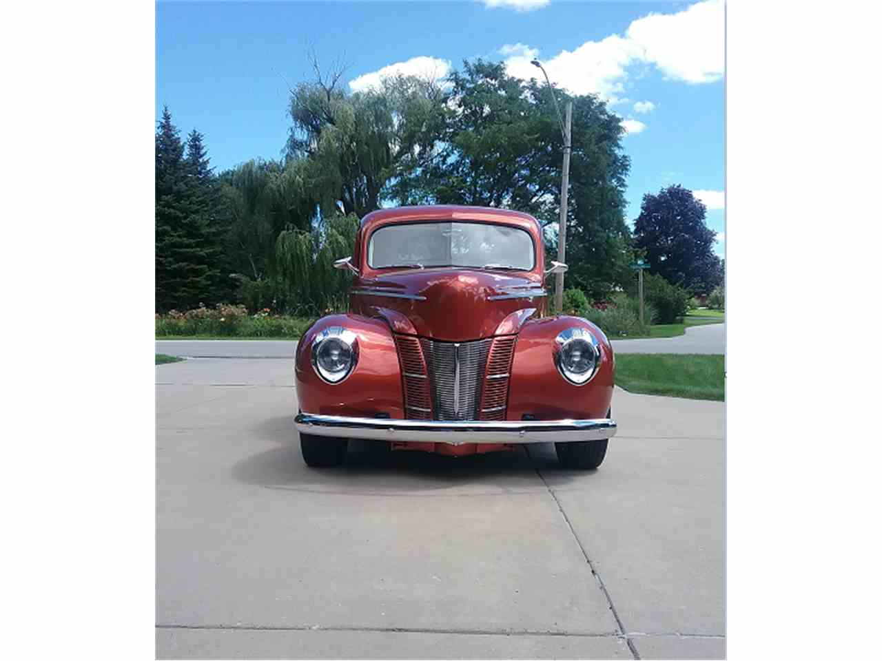 Large Picture of '40 Deluxe Coupe - LPUW