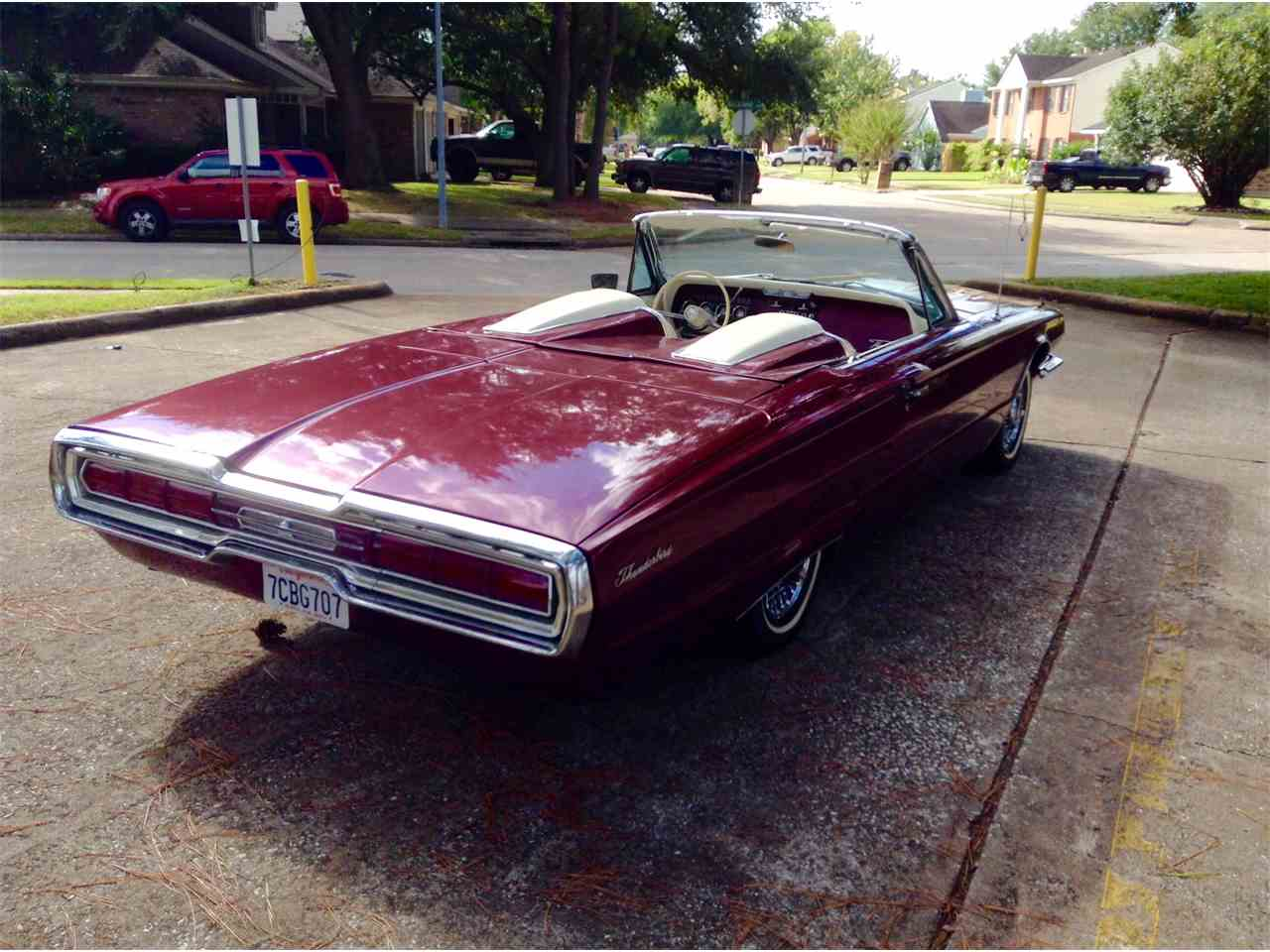 Large Picture of '66 Thunderbird - LPV4