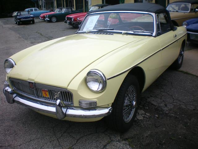Picture of '65 MGB - LQ9E