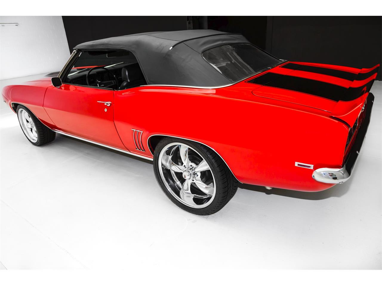 Large Picture of Classic '69 Chevrolet Camaro located in Des Moines Iowa - LQPC