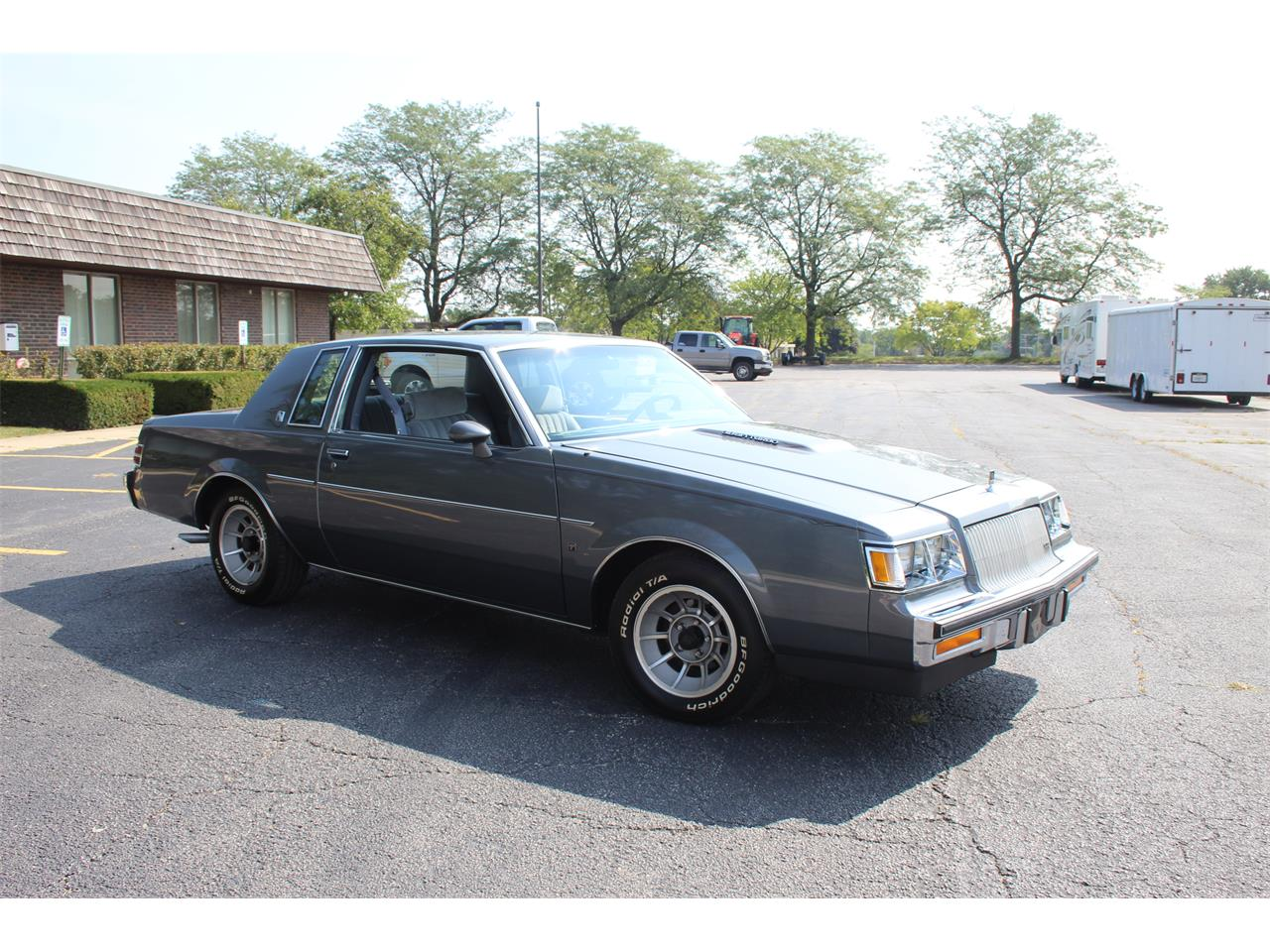 Large Picture of '87 Regal - LQVL