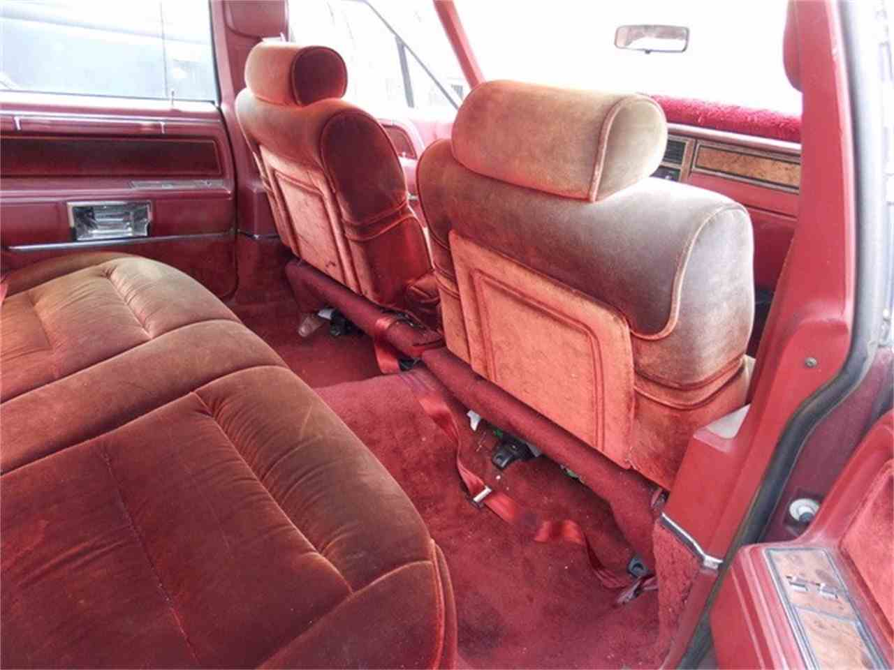 Large Picture of '85 Town Car - LQXI